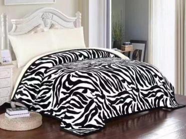 Patura Pufoasa Zebra, cu blanita, 200x230 cm