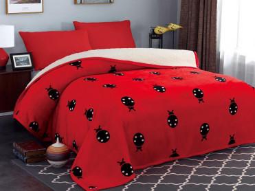 Patura Pufoasa Ladybug, cu blanita, 200x230 cm